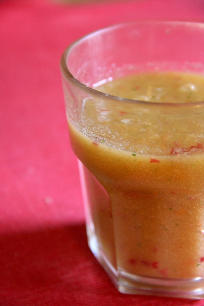 Kombucha Smoothie with Apricot, Apple and Mint by Anna Brones