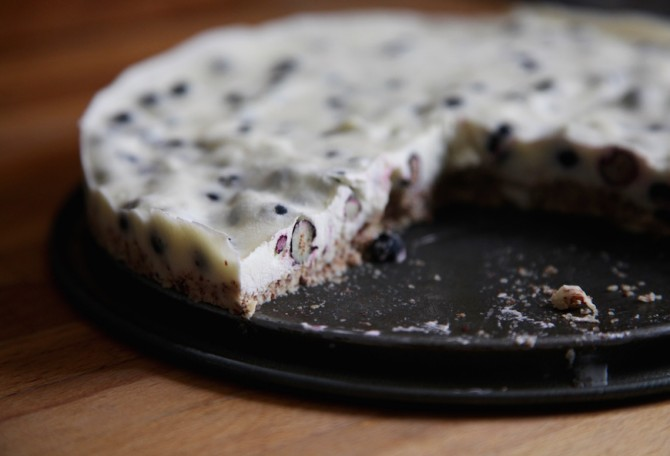 No-Bake-Yogurt-Blueberry-Cake-by-Anna-Brones-2-670x456
