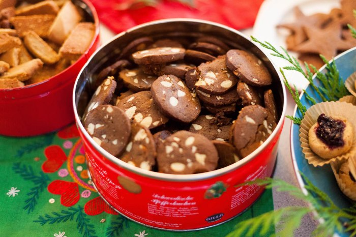 Swedish anna brones growing up we always made a recipe out of the classic swedish baking book sju sorters kakor called franska pepparkakor french gingersnaps for christmas forumfinder Gallery